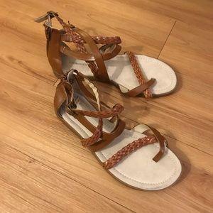 G.H. Bass tan strap sandals•size 10•heel zip•EUC